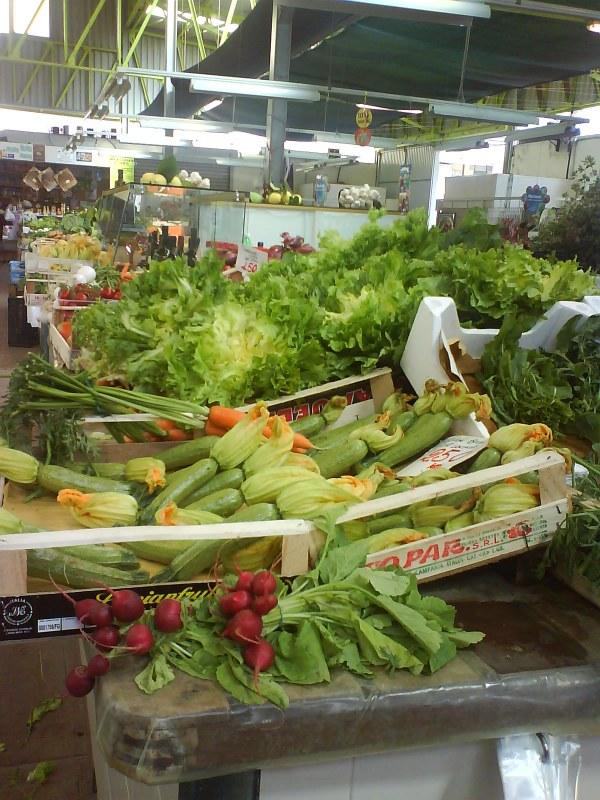 marknad-levanto-frukt