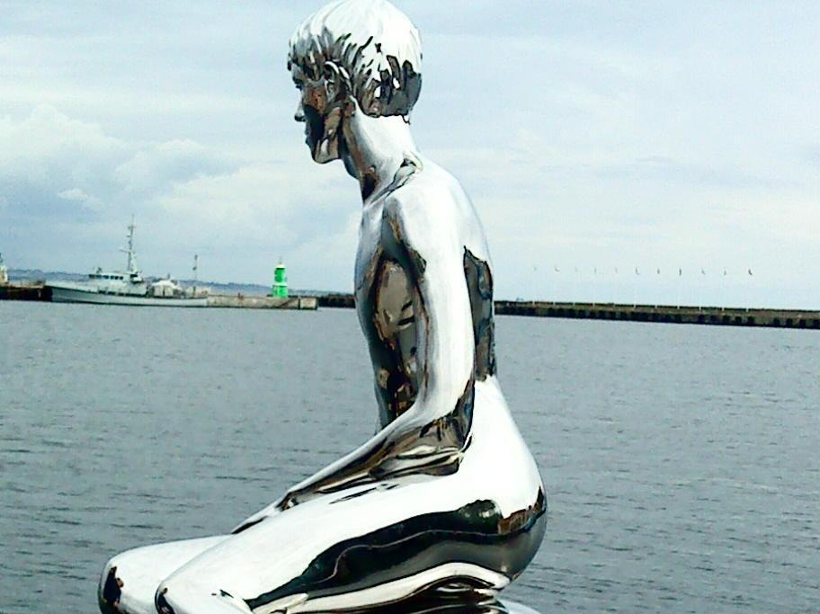 skulpturen han