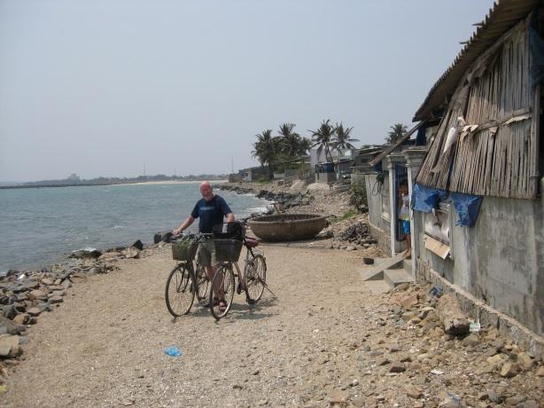 På cykelfärd till en fiskeby