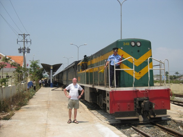 Tåget Phan Thiet till Saigon - biljett i soft seat air con kostade 50 kr