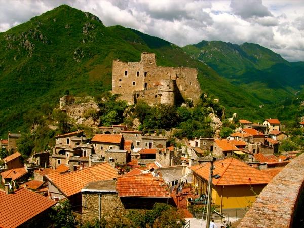 Castelvecchio di Rocca_Barbena