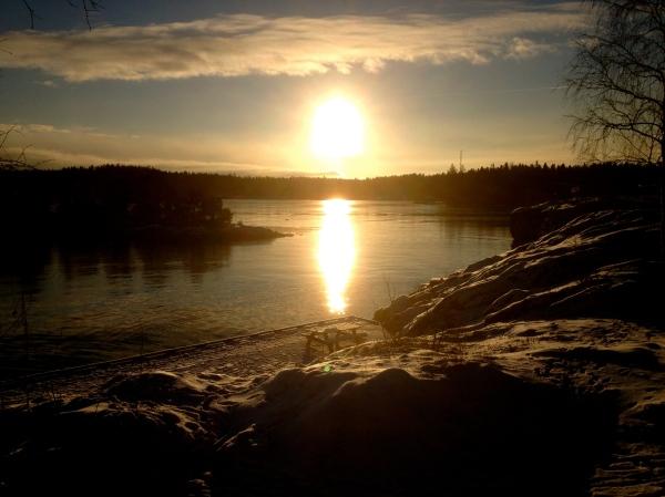 Midwinter sun HCG2014
