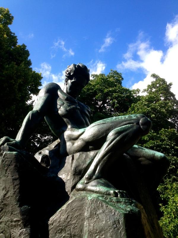 Strindberg staty H Carlberg