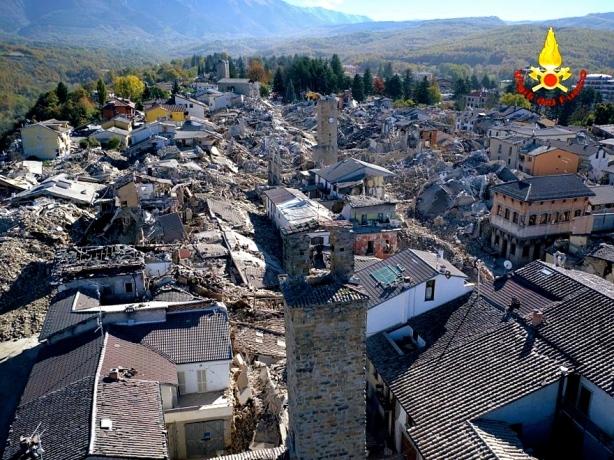 Jordbävning i centrala Italien 2016