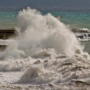 Waves at Mare Ligure